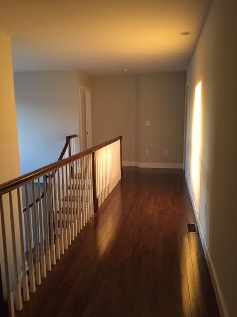 emptyhouse-hallway